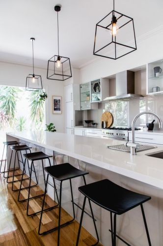 kitchen pendant lighting kitchen lights over table Kitchens that get pendant lights right Photography by Suzi Appel Designed by Bask Interiors