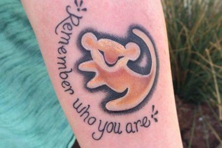 Ebea0c3e55fa4e8825b7cd4d9e80bfce 91954230d1142936aba7f745b05f90ee Tattoos For Women Small Disney Family
