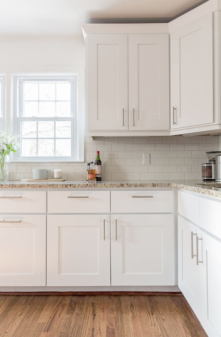 kitchen cabinet molding white cabinet kitchens 25 best ideas about Kitchen Cabinet Molding on Pinterest Crown molding kitchen Above kitchen cabinets and Closed kitchen diy