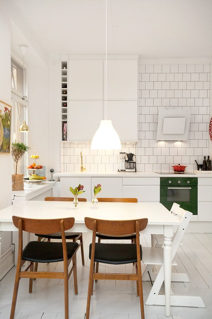 retro kitchen tables white kitchen tables 25 best ideas about Retro Kitchen Tables on Pinterest Kitchen dinette sets Retro dining table and Vintage kitchen tables