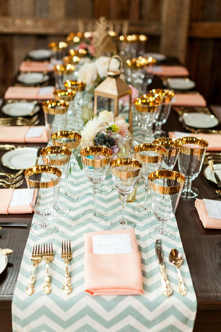 wedding tables wedding table runners Maine Wedding at The Barn at Flanagan Farm from A Brit and A Blonde