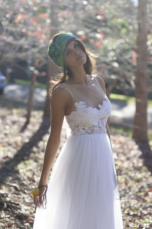 lace flowy wedding dress Elegant A Collection Of Elegant Flowy Wedding Dresses Charming Romantic Flowy Bohemian Style Wedding