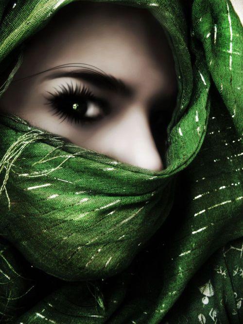 Medium Of Emerald Green Color