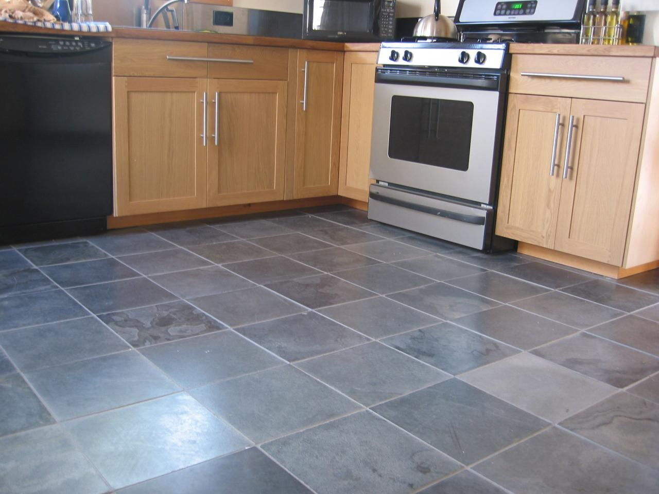 gray kitchen floor kitchen tile floor Slate Floor Tiles Kitchen Amazing Decoration Decorating Ideas This Gray tile flooring will be