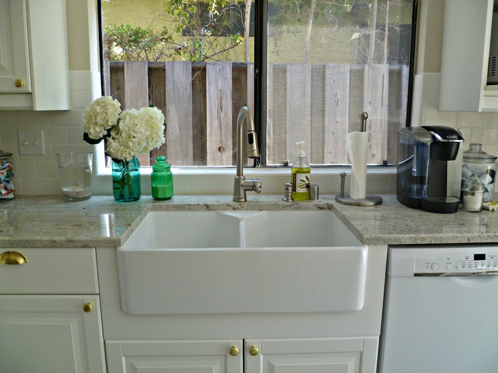 sink kitchen cabinets Kitchen cabinets farmhouse sinks with graniter tops Panels Double Porcelain Farmhouse Sinks With Grey Granite Countertops