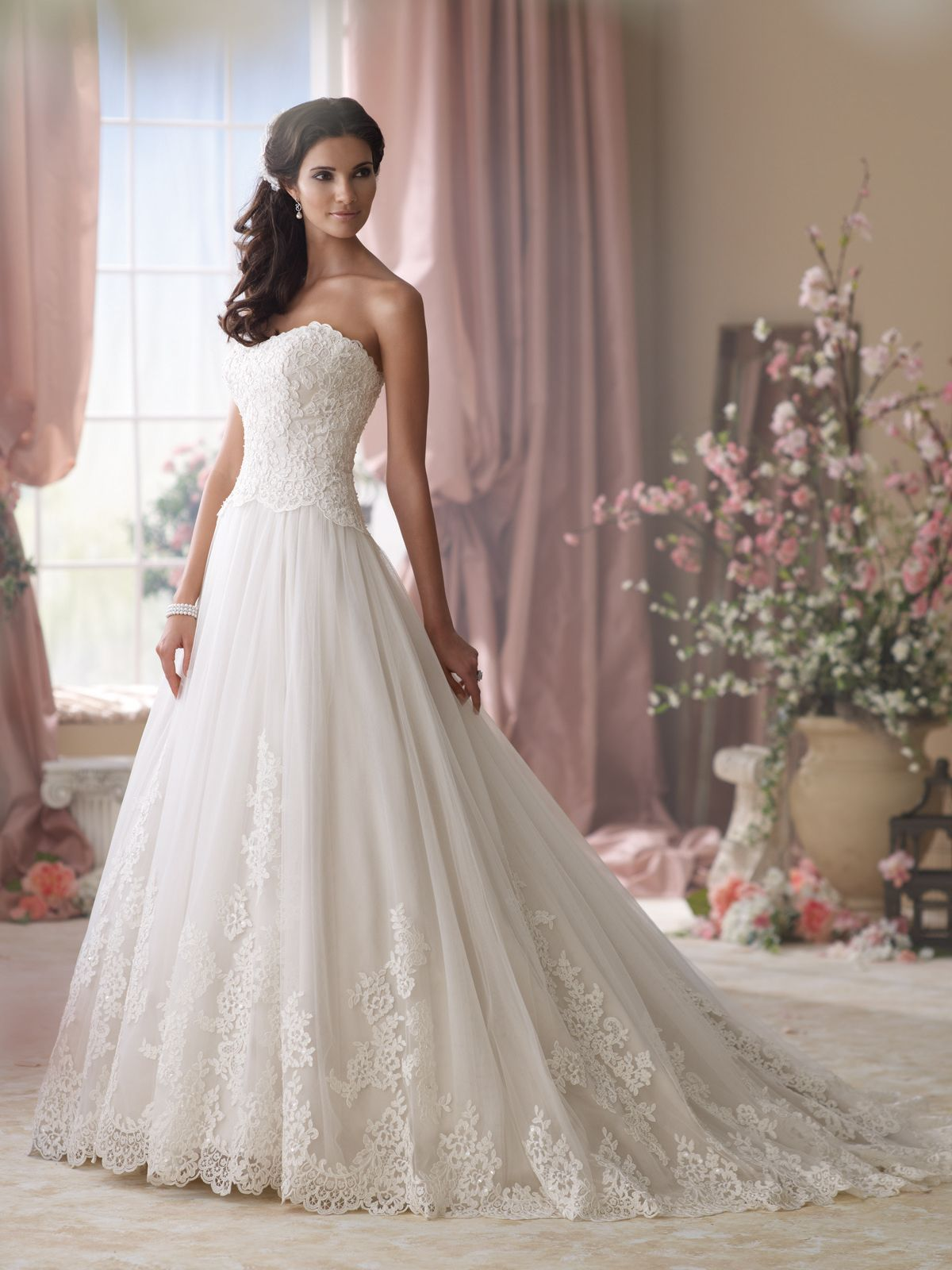 pics of wedding dresses