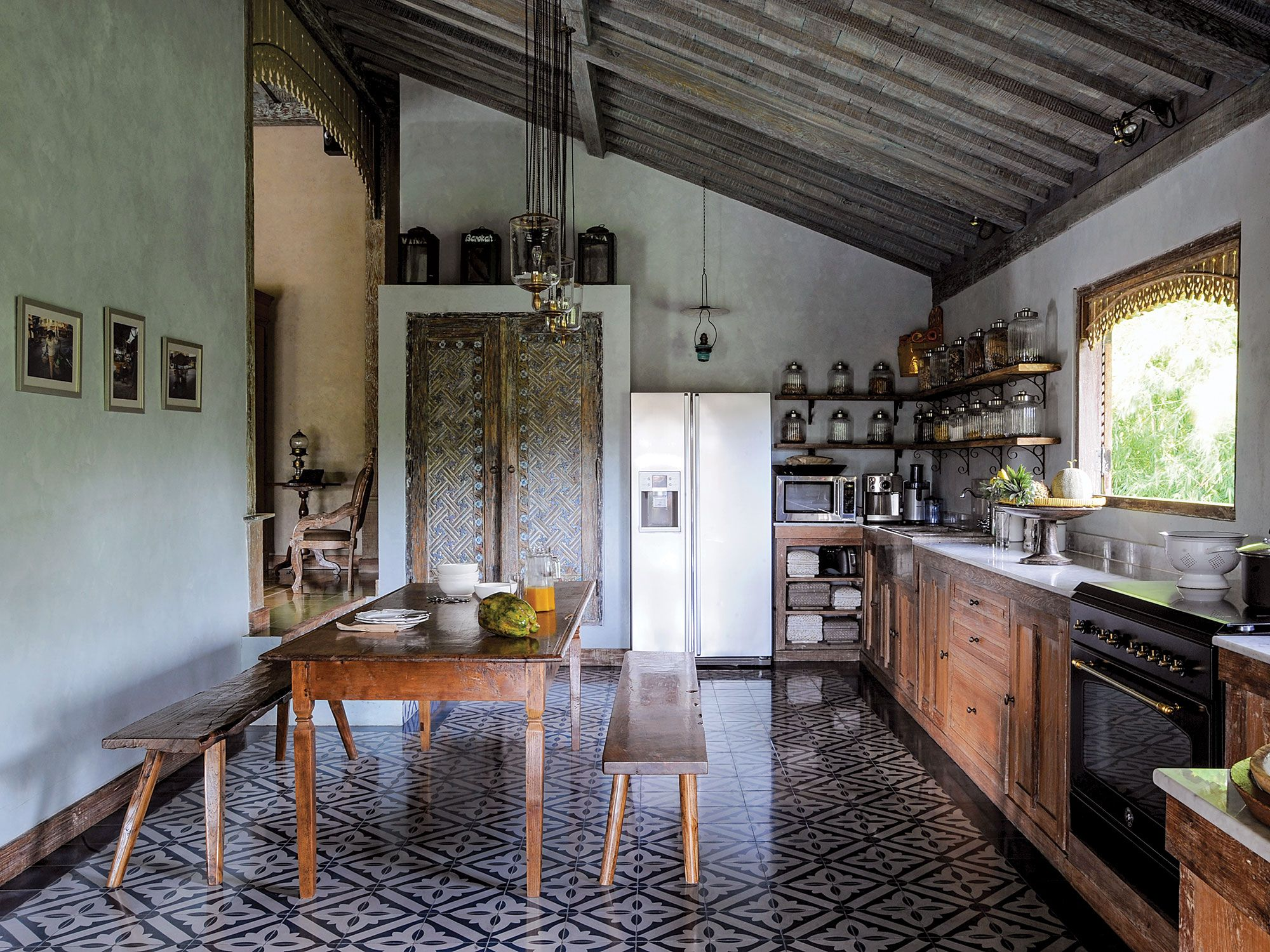 colonial kitchen design Bali This kitchen takes design inspiration from Dutch colonial