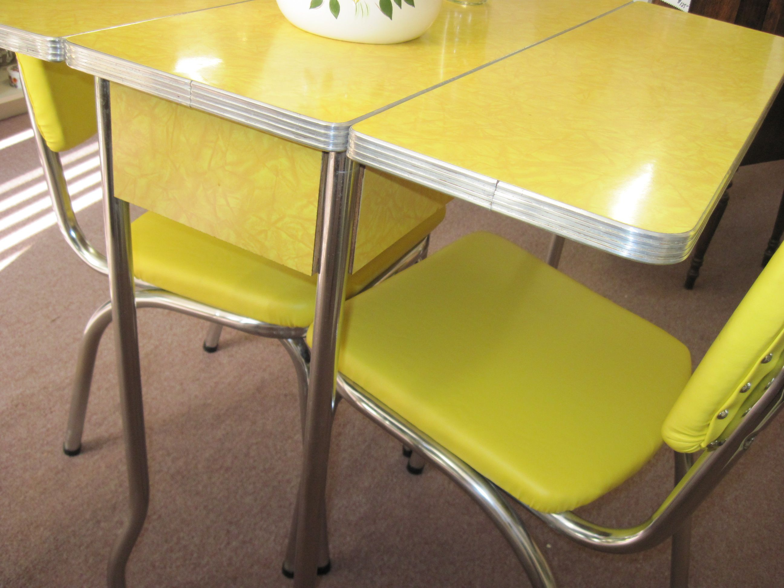 kitchen tables and more retro drop leaf kitchen tables and chairs Yellow s Cracked Ice Formica Table
