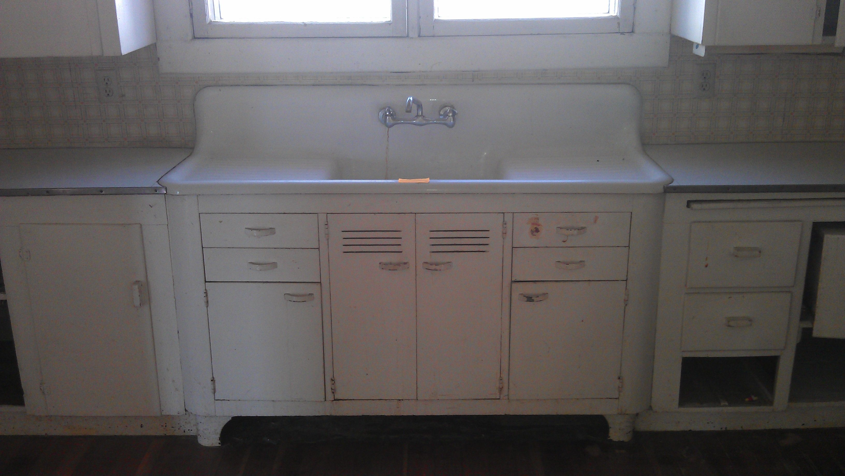 single bowl kitchen sink mounted double drain board farm sink Vintage Single Basin Double Drainboard Kitchen Sink