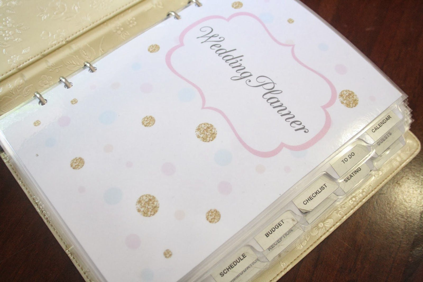 wedding planner binder Do you know someone who is getting married Share this WEDDING PLANNER TUTORIAL with them