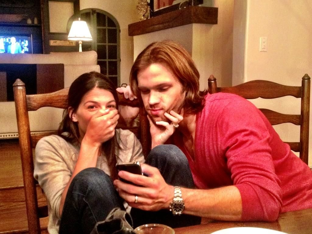 jared padalecki wedding jared wedding rings I love pictures where you can see Jared s wedding ring