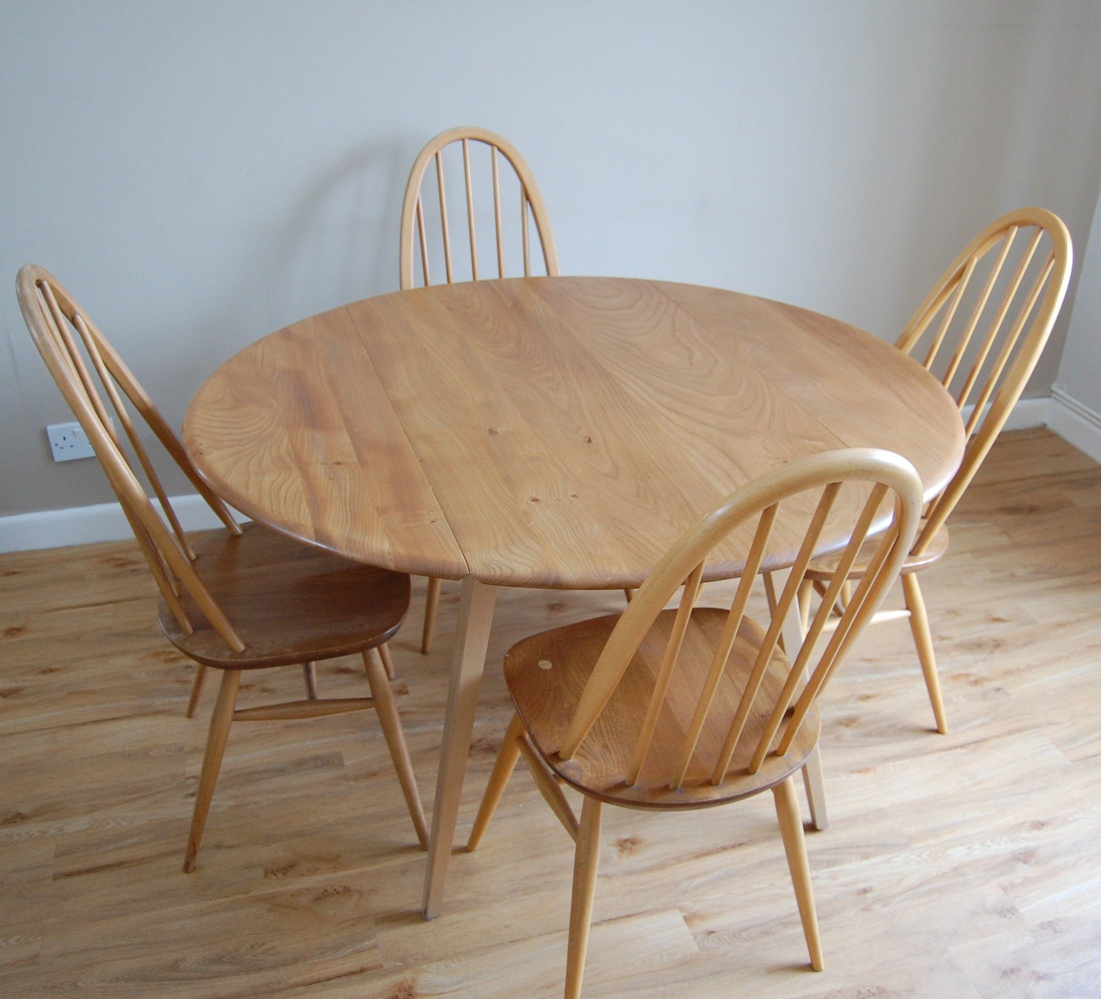 drop leaf kitchen tables Round Ercol Drop Leaf Table