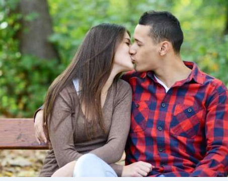 How to tongue kiss your girlfriend
