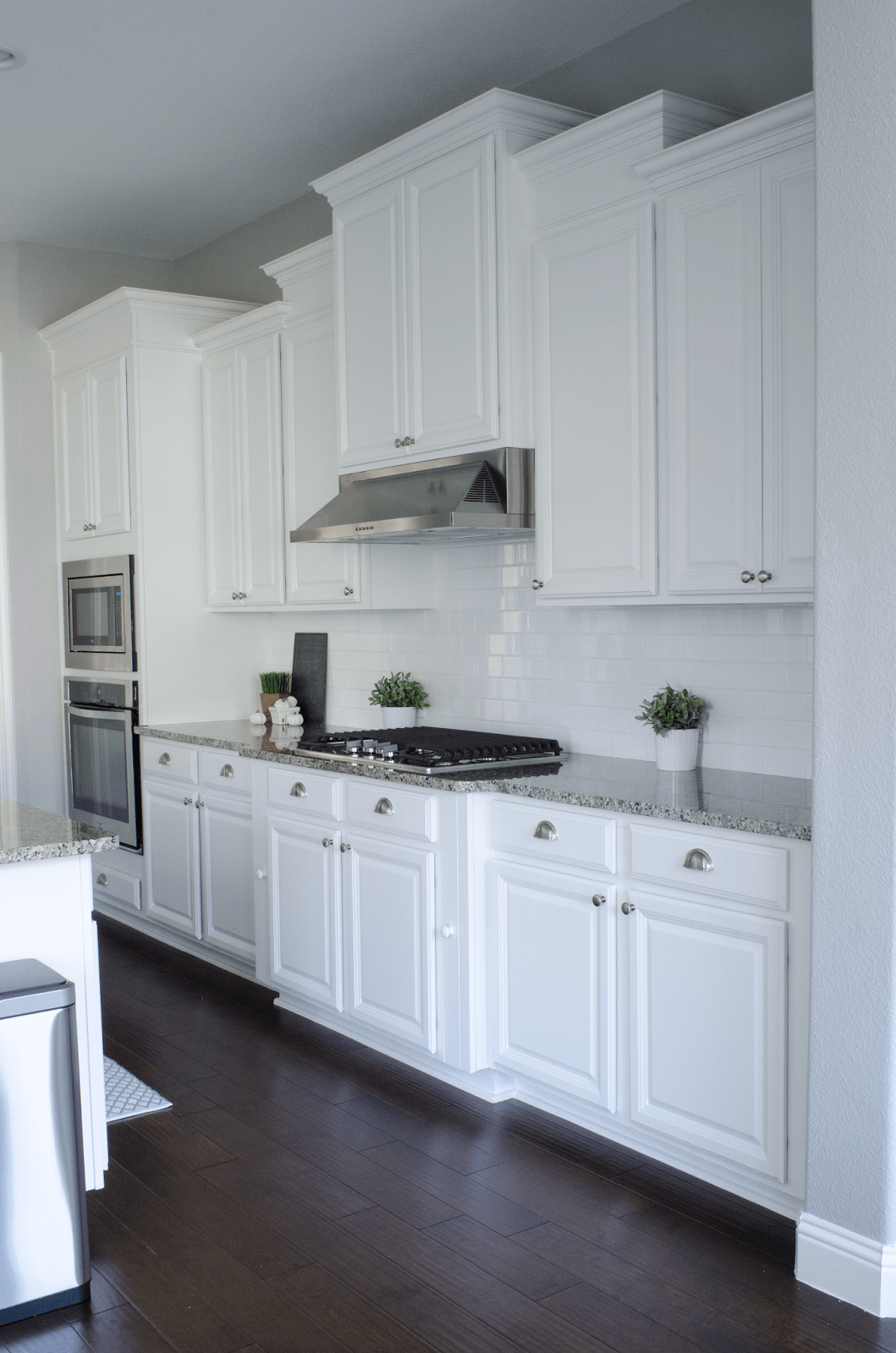 white kitchen dark floors white kitchen cabinets