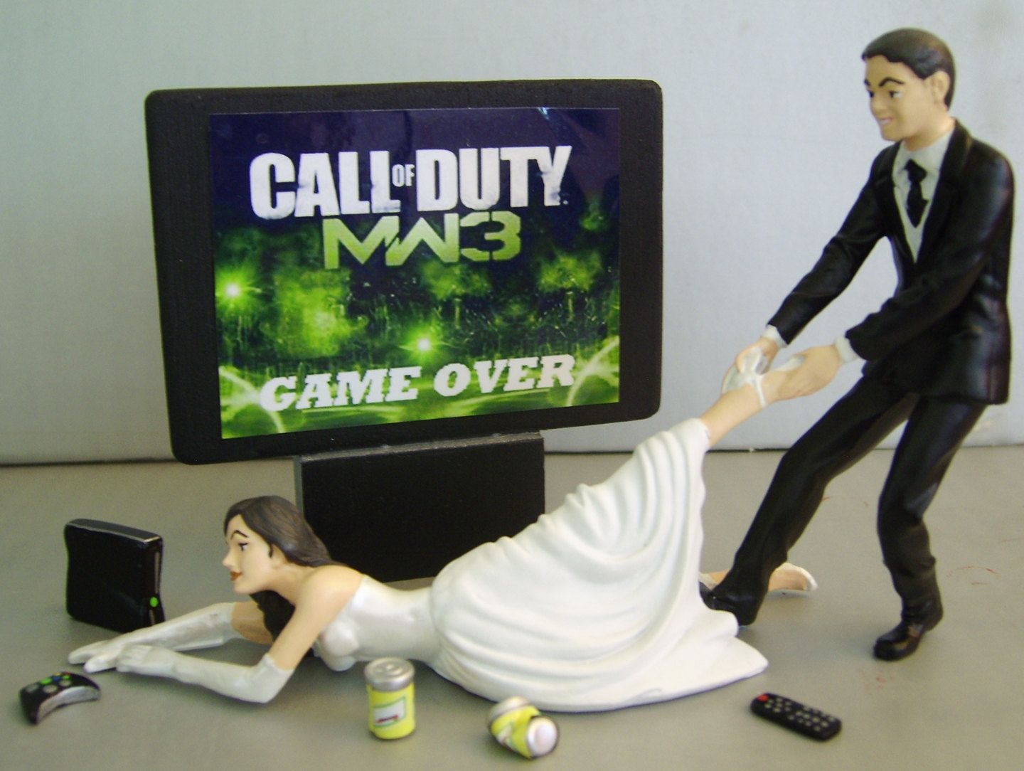 gamer wedding rings VIDEO Game junkie BRIDE Customized Wedding Cake Topper New Design The