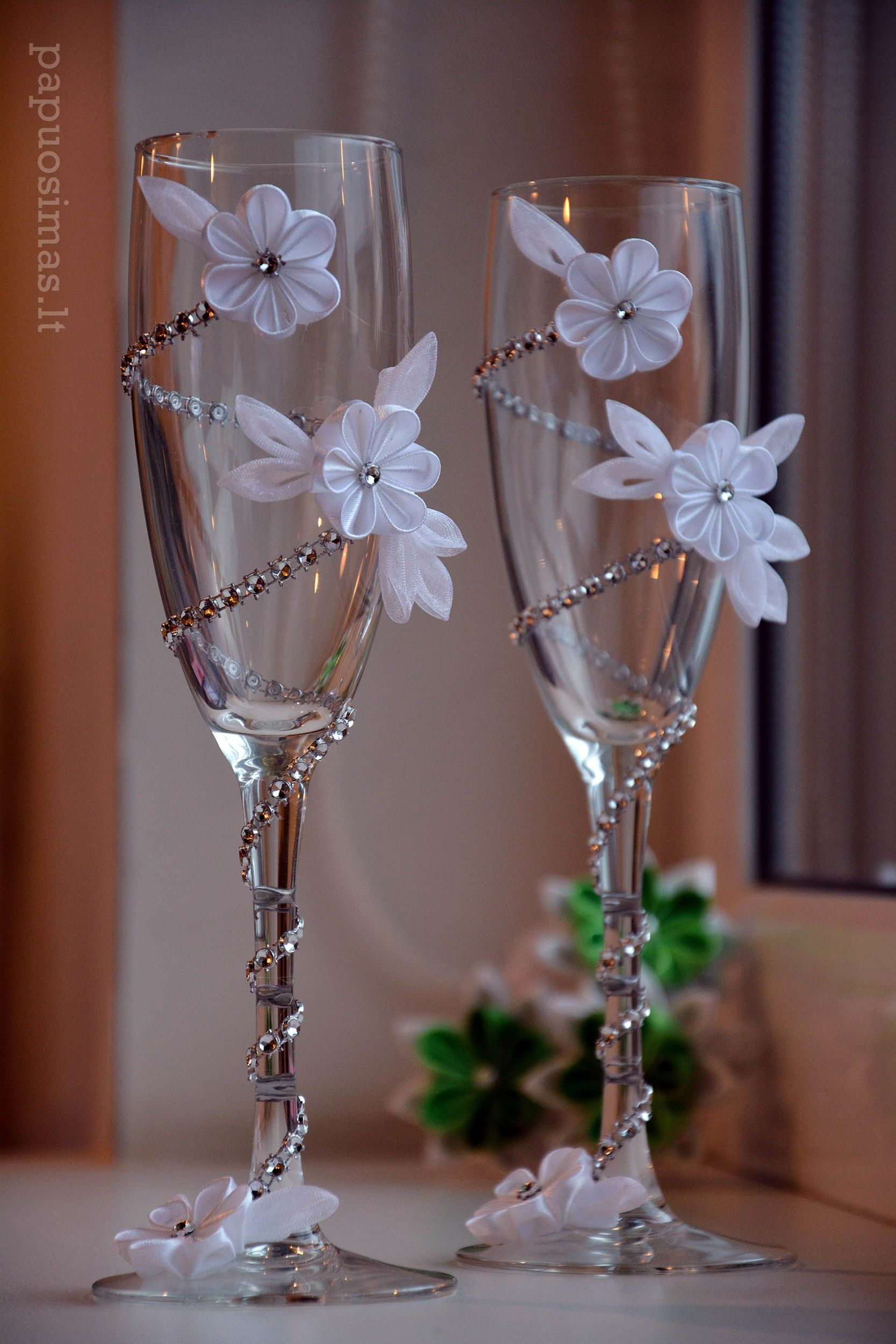 wedding glasses Maybe just one flower on the brides haha but the diamonds are an absolute yes wedding ideas Pinterest Beautiful An and Wedding