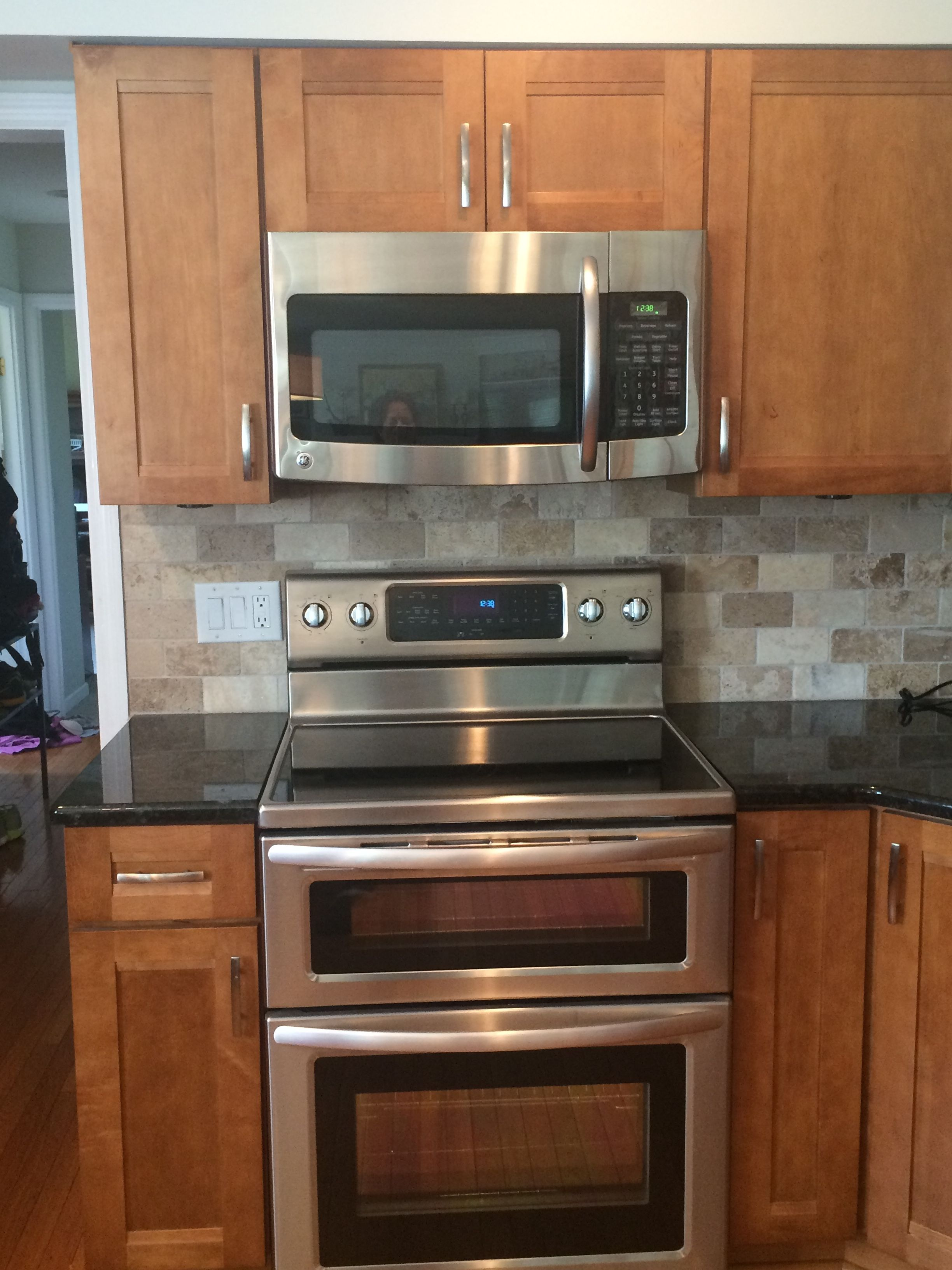 diamond kitchen cabinets In the kitchen Kraftmaid Sedona Maple Praline Labrador Gold granite