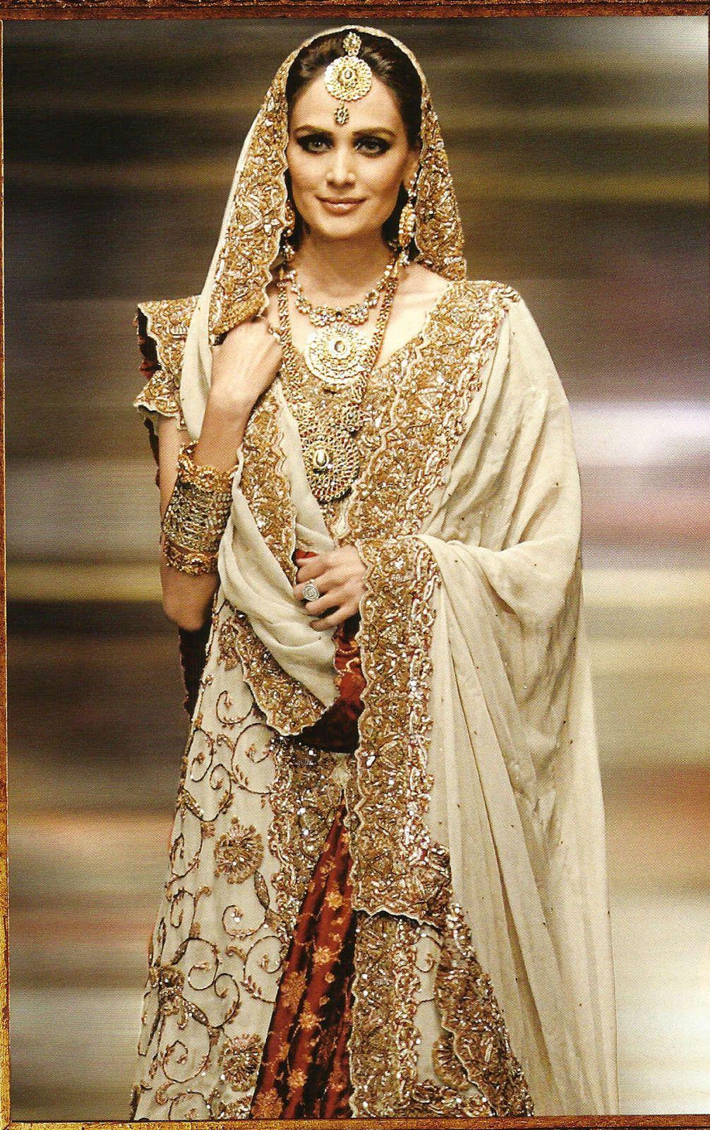 gold dress for wedding Indian Wedding Dresses Gold Photos HD