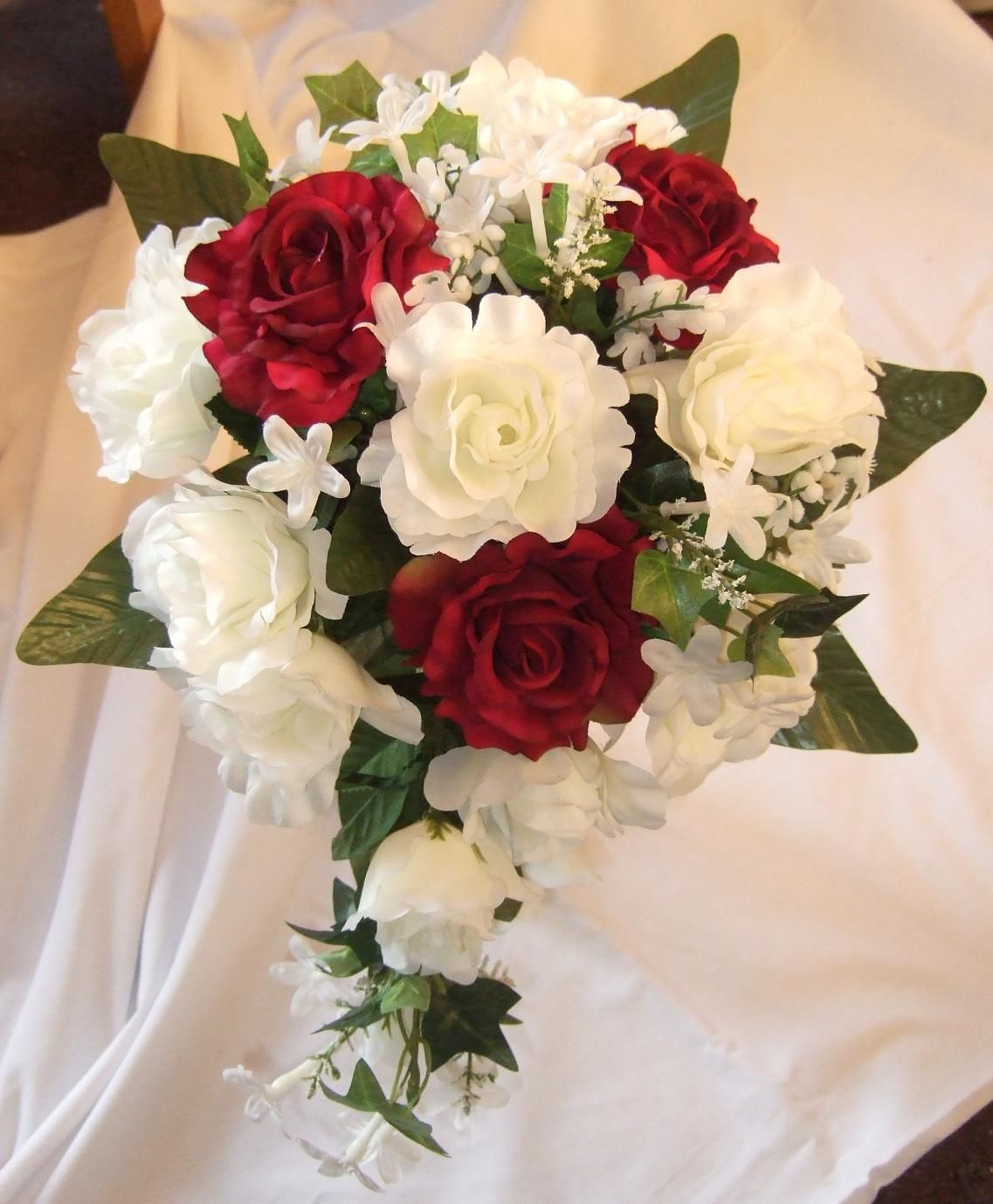 wedding flower arrangements Wedding Flower Bouquets Flower Ideas Burgundy and white roses Burgundy Silk Wedding Flower