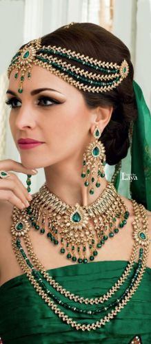 wedding jewelry sets Emerald Jewelry Amazing natural fair complexion can be gained at www Indian Emerald Bridal Necklace and Earrings Set
