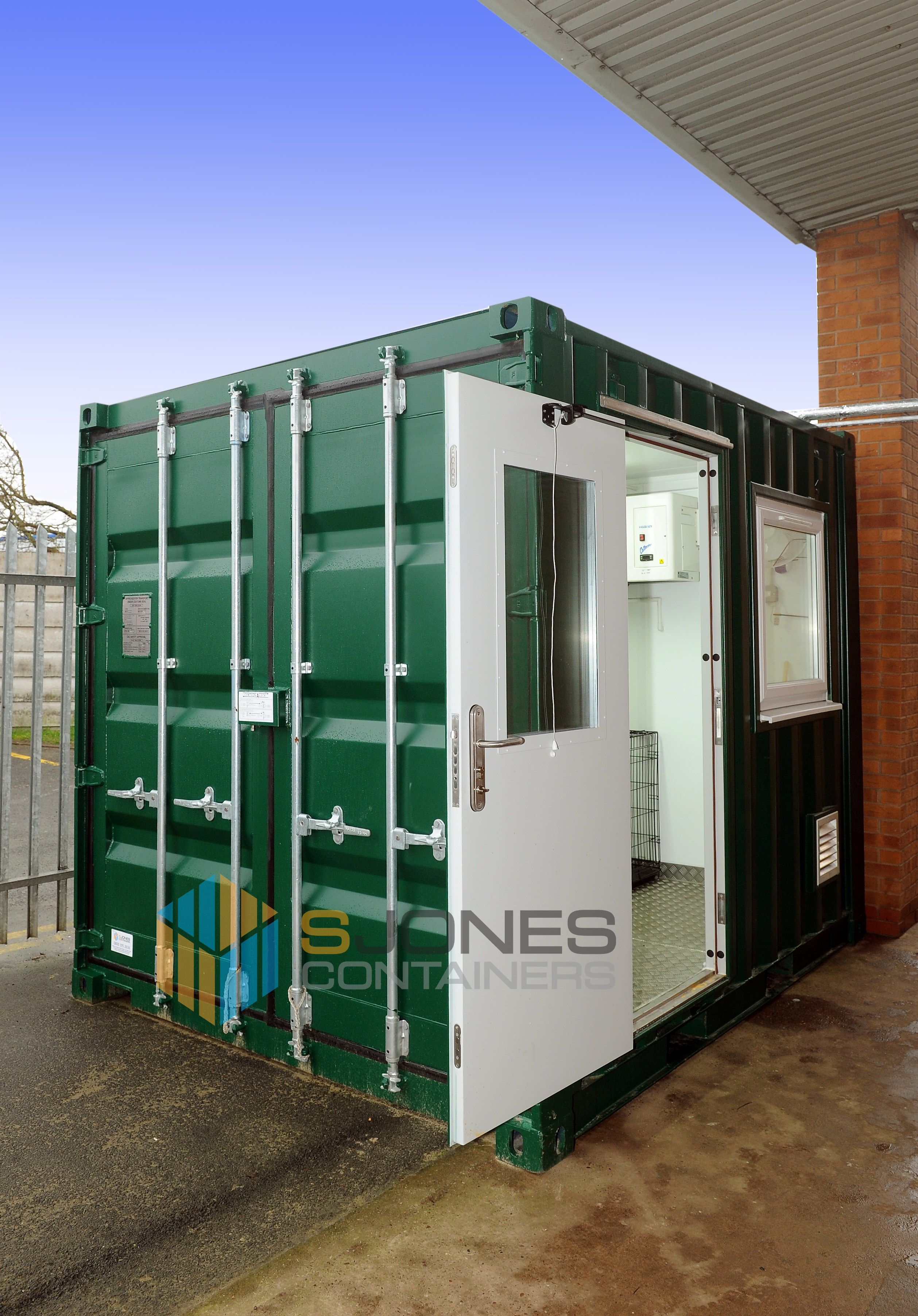 Gracious Shipping Container Converted Into A To Down Hot Shipping Container Converted Into A To Down How To Down A Room Without Air Conditioning How To Down A Room Ly houzz 01 How To Cool Down A Room