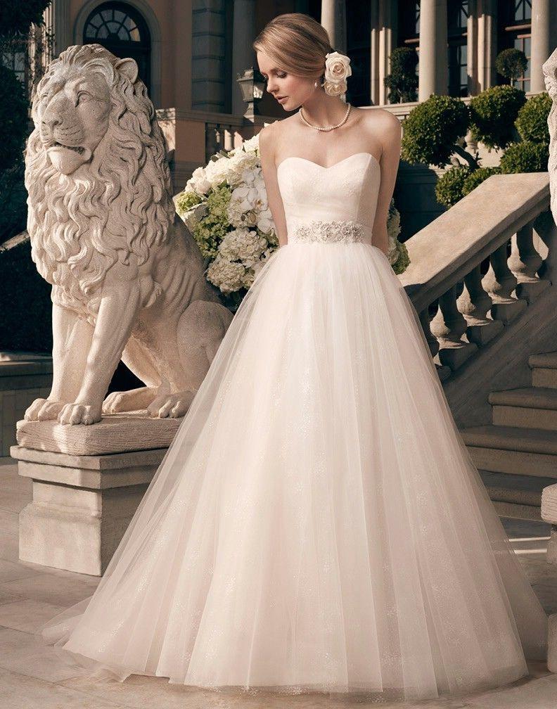 casa blanca wedding dresses Classic understated and totally romantic Casablanca Wedding Dresses Style casablanca