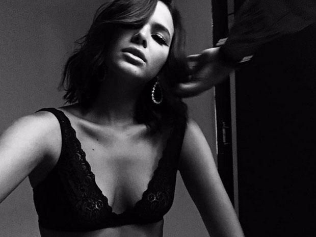 Bastidores do ensaio sensual de Bruna Marquezine