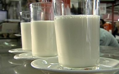 Consumo de leite após os 50 anos é tão importante quanto na infância