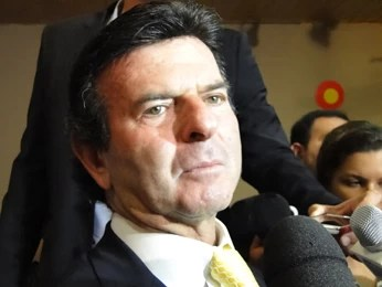 Ministro durante coletiva no evento, em Belo Horizonte (Foto: Pedro Triginelli/G1)