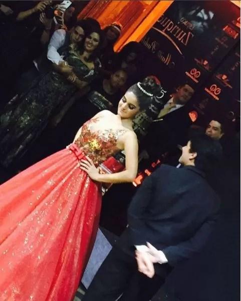 Maitê Padilha com o vestido que usou na valsa (Foto: Reprodução/Instagram)