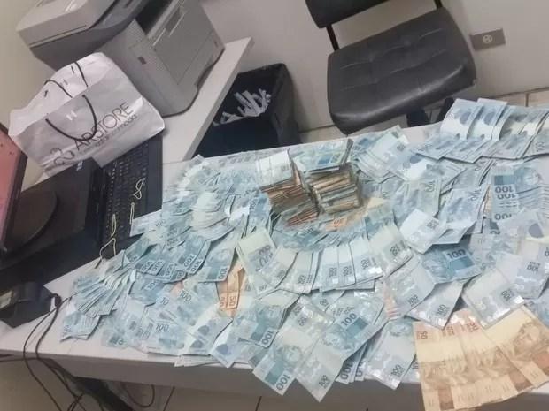 Advogada é presa com R$ 100 mil suspeita de extorquir prefeito do RS