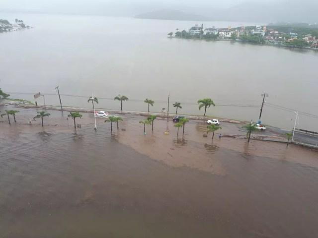 Lagoa da Conceição também foi afetada pelas chuvas na capital. (Foto: Eveline Poncio/NSC TV)