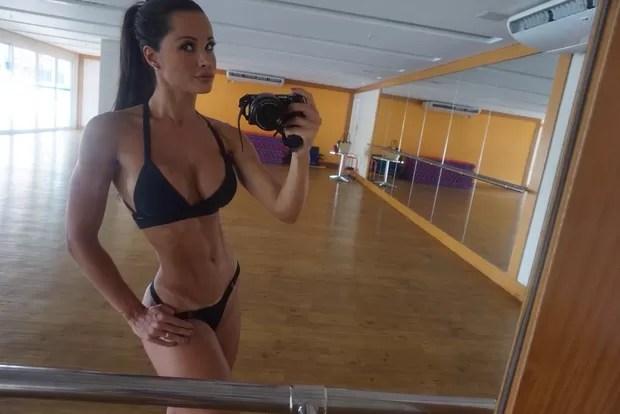 Fernanda D Avila impressiona após perder dois centímetros de cintura