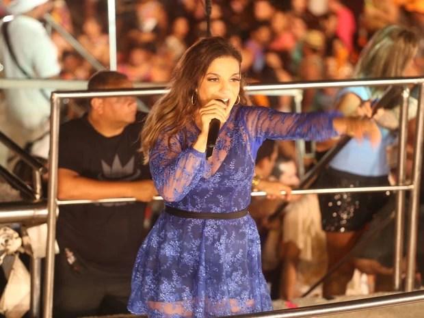 Música nova de Ivete Sangalo agrada público que curte o Pré-Caju