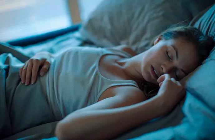 Sono e descanso são fundamentais para otimizar efeitos dos exercícios (Foto: iStock Photo) Sono e descanso têm papel decisivo nos efeitos das atividades físicas Sono e descanso têm papel decisivo nos efeitos das atividades físicas istock 486135872 sYzneuX