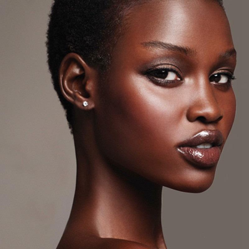 Prodotti make up per le ragazze di colore: 9 imperdibili must-have per ogni stagione!