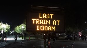 Metro's extended service: the last train to make connections was at 1:30 am. The last train to downtown ran at 2:10 am.
