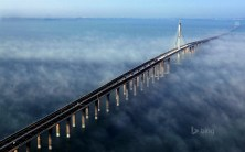 The Jiaozhou Bay Bridge. Photo by Sean Russell, via Flickr creative commons.
