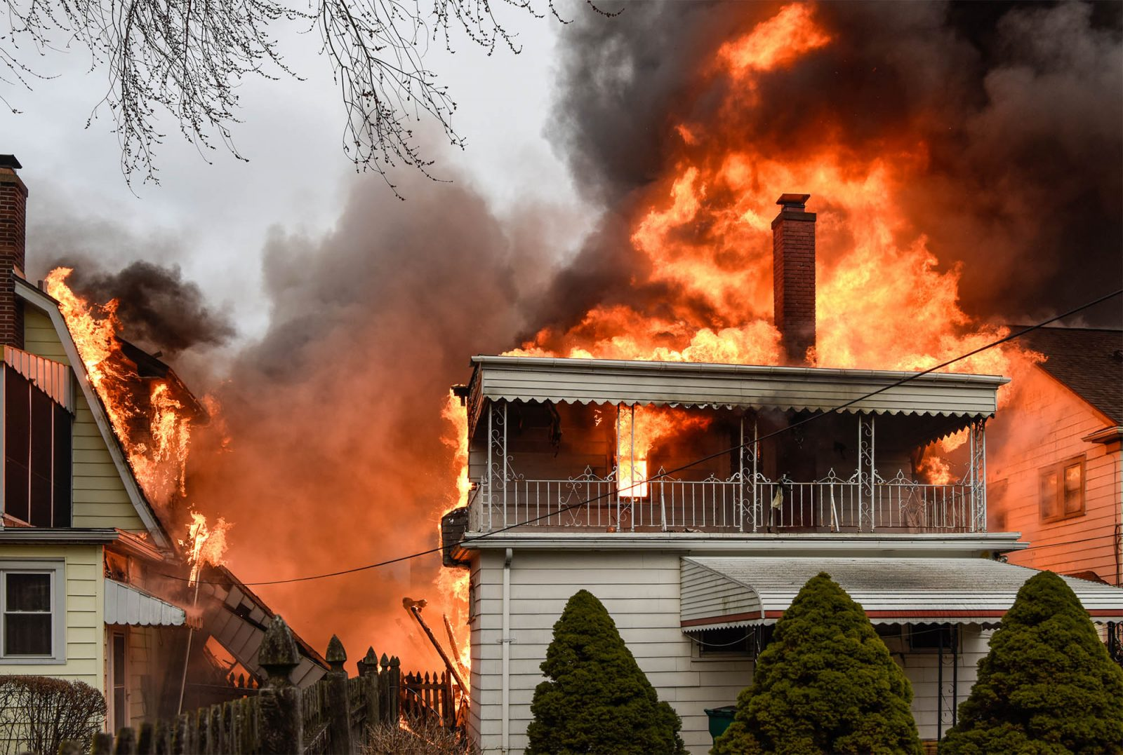 Neighbor saw man whose home exploded   He was surrounded by fire     Buffalo firefighters respond to the explosion at 36 Covington Road on  Thursday   Joe Cascio Special to The News