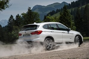 P90190676_highRes_the-new-bmw-x1-on-lo