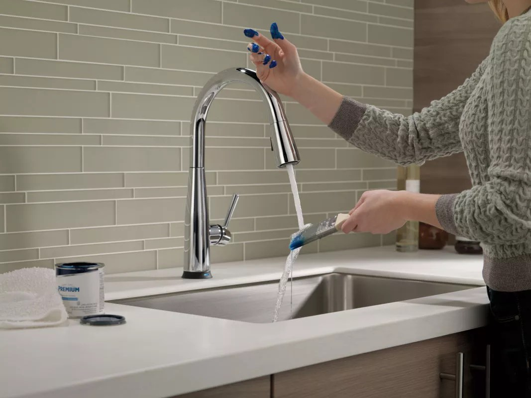 delta 9113t dst faucet touch feature in use in chrome 45