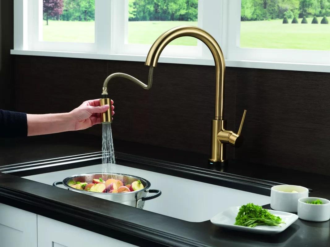 f delta kitchen faucet Alternate View Alternate View