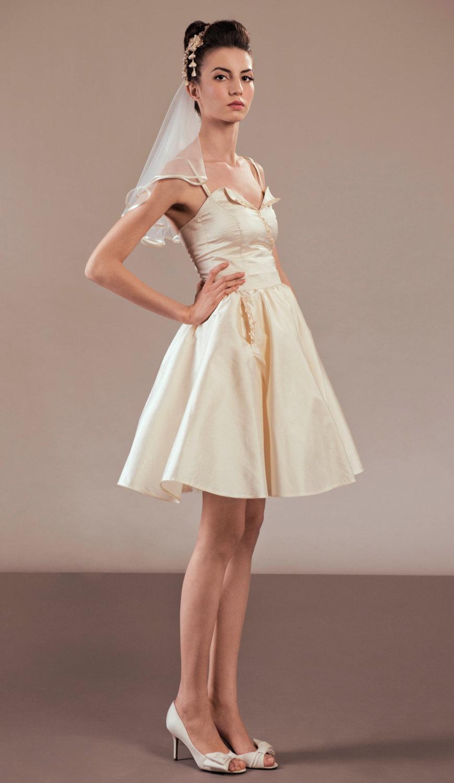 cotton wedding dresses with pockets wedding dress with pockets Wedding Dress With Pockets Into The Present Trend Getswedding