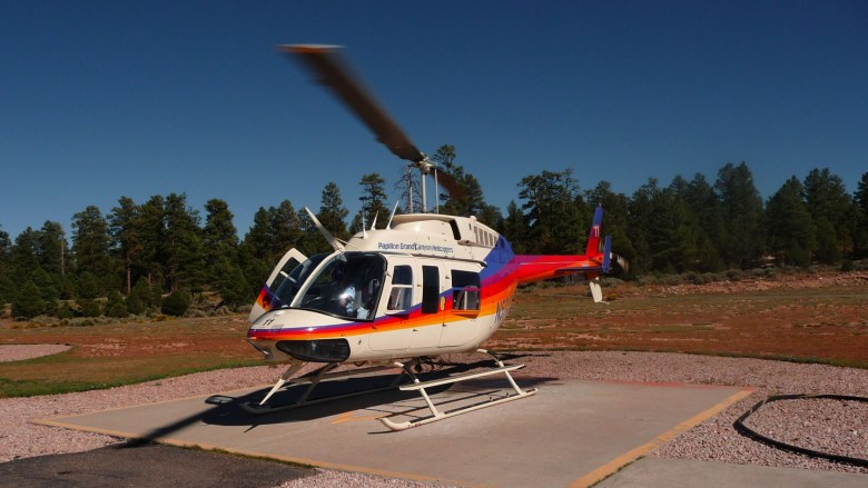Helikopter auf dem Grand Canyon Airport