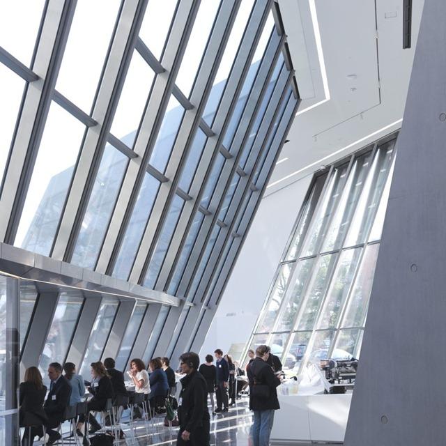 Zaha-Hadid-Architecture-Design-16-910x910