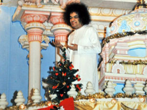 Photo of Sathya Sai Baba at Christmas