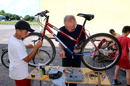 Bicycle repair for youth