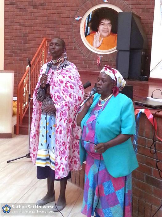 Kenya - Programme at Sathya Sai School, Kisaju