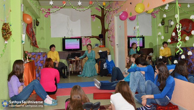 2015.01.3-8Z-Russia-Siberian region of Kemerovo - Baby  Festival-Master-class on visage