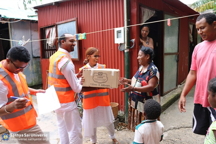Mauritius Relief Helping victims of flooding